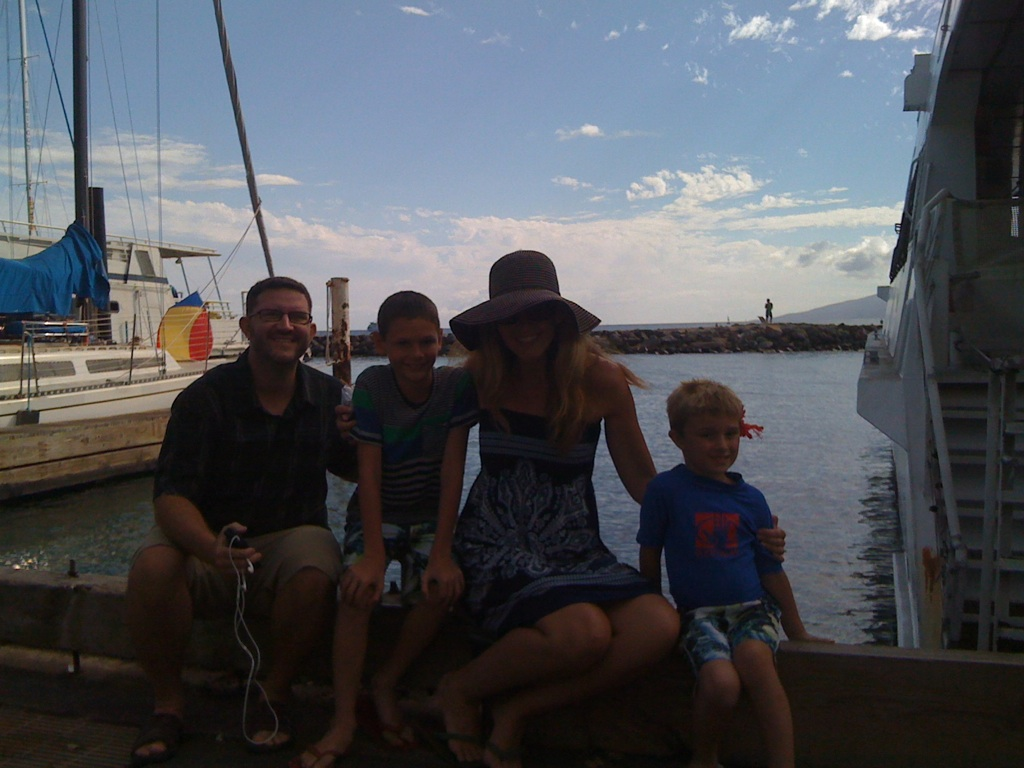 Poppy-Family-Pray-Hawaii