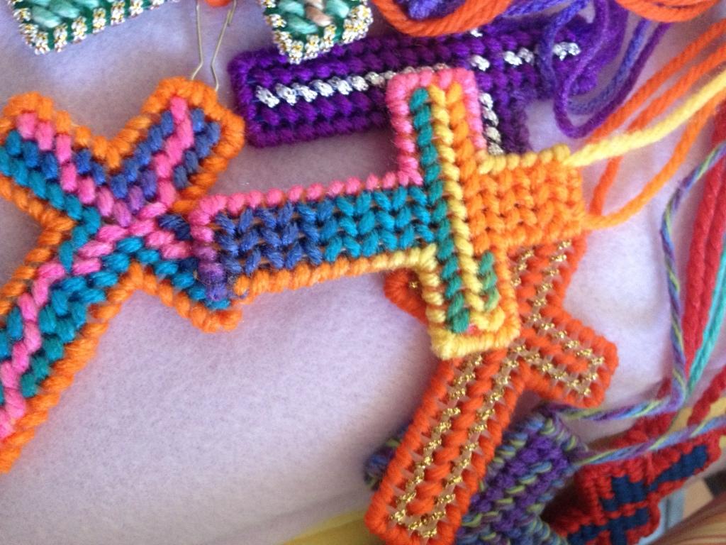Pray-Hawaii-crosses